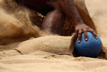 Vastesi in spiaggia per torneo di beach handball