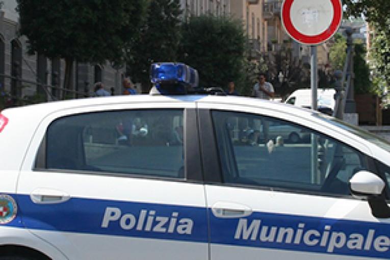 polizia_municipale_auto