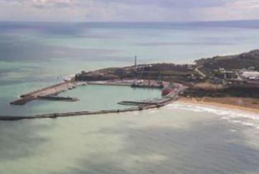 Il braccio di ferro tra portuali e ambientalisti