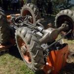 Si ribalta trattore, grave agricoltore